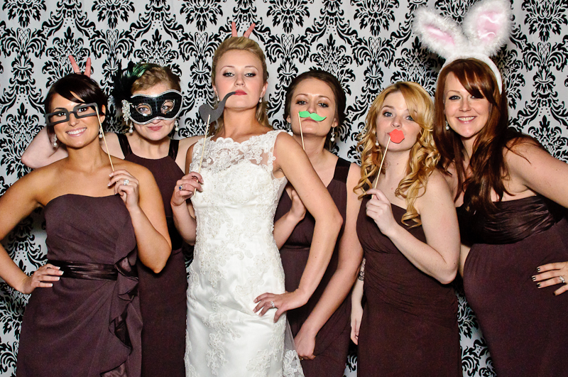 Wedding Photobooth Bride with Bridesmaids