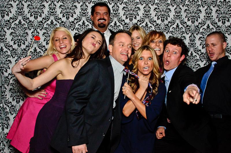 wedding-photobooth-groupshot Nashville Wedding Photo Booth | Amanda + Justin