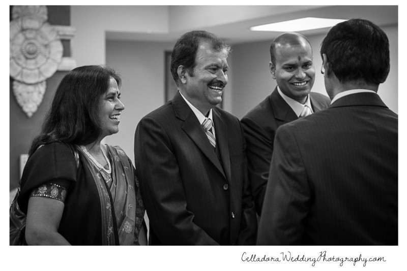reception-guests-and-family-800x534 Nashville Indian Wedding Photographer