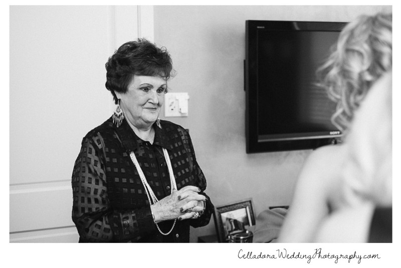 grandmother-with-bride-800x534 Nashville Wedding Photography | WO Smith Music School