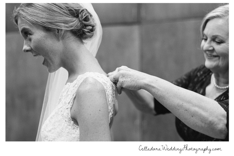 mother-putting-on-bride-dress-800x534 John + Lindsay Downtown Nashville Wedding