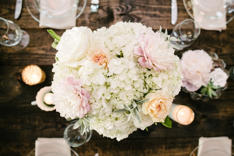 flowers-on-table-800x533 One Cannery Ballroom Nashville 4th of July Wedding | Brian and Jenna