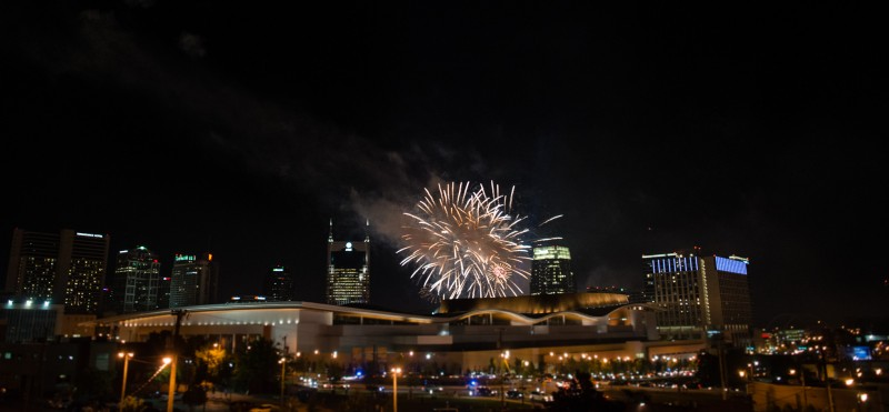nashville-tn-fireworks-display-from-cannery-800x371 One Cannery Ballroom Nashville 4th of July Wedding | Brian and Jenna