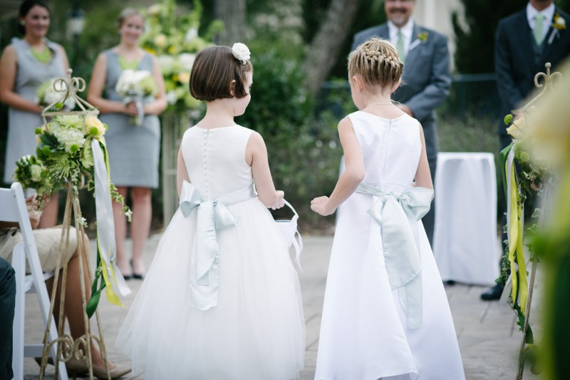 flower-girls-opryland1-800x533 Opryland Hotel Wedding in Nashville, TN - Dawn + Keith