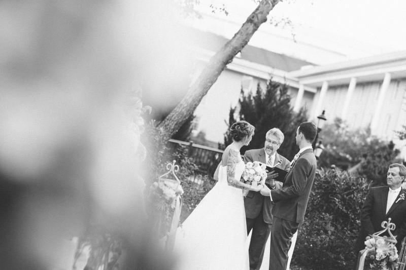 gaylord-hotel-wedding1-800x533 Opryland Hotel Wedding in Nashville, TN - Dawn + Keith