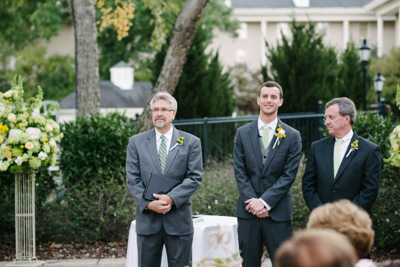 groom-seeing-bride-for-first-time1-800x533 Opryland Hotel Wedding in Nashville, TN - Dawn + Keith