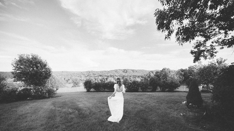 wedding-photographer-nashville-800x448 Front Porch Farms Wedding - Taylor and William