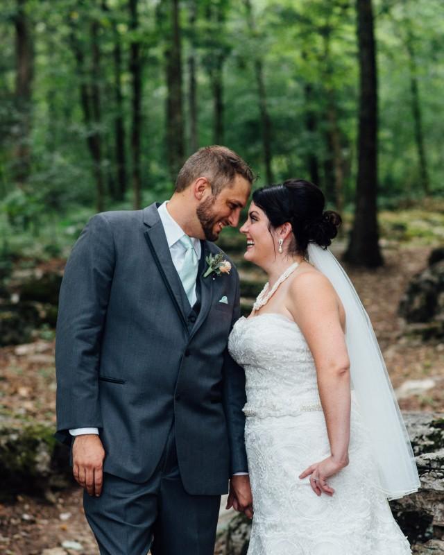 bride-groom-tennessee-640x800 Outdoor Barn Wedding | Murfreesoro, TN | Paul and Amanda