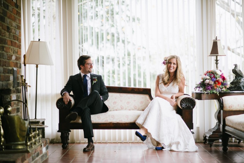 bride-groom-seated-pose-800x534 Laurie + Craig - Antrim Wedding | Columbia, TN