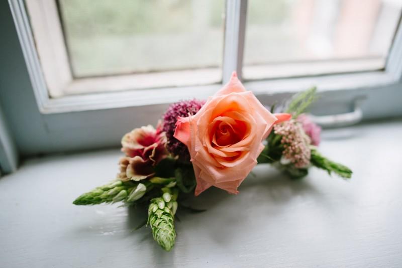 elaborate-bridal-flower-hairpiece-800x534 Laurie + Craig - Antrim Wedding | Columbia, TN