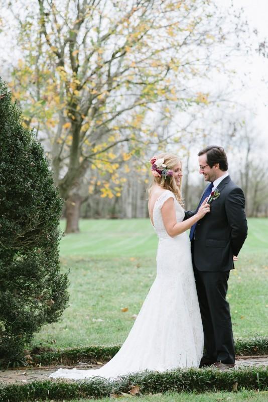 fall-wedding-first-look-534x800 Laurie + Craig - Antrim Wedding | Columbia, TN