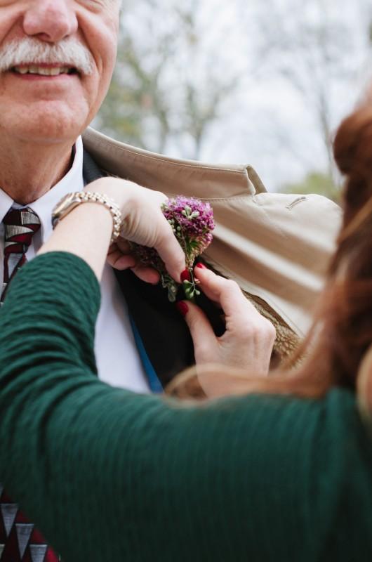 pinning-boutineer-530x800 Laurie + Craig - Antrim Wedding | Columbia, TN