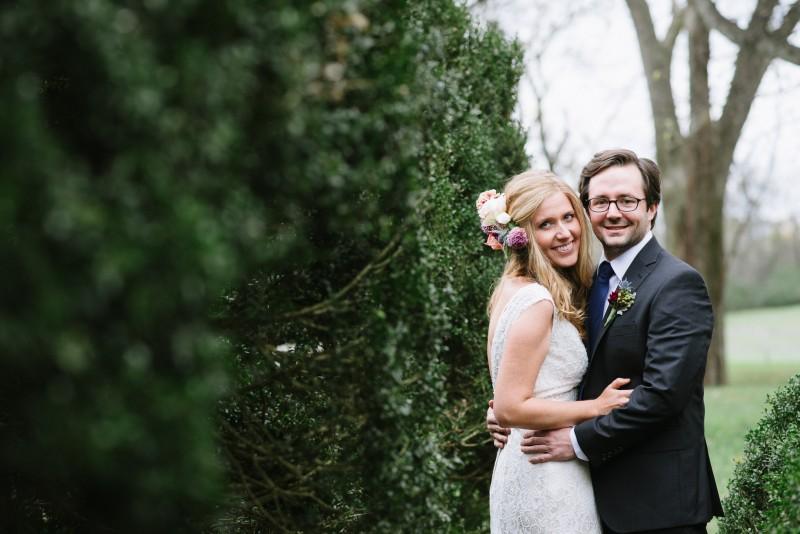 smiling-bride-groom-800x534 Laurie + Craig - Antrim Wedding | Columbia, TN