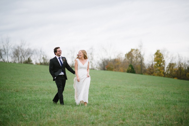 walking-bride-groom-800x534 Laurie + Craig - Antrim Wedding | Columbia, TN