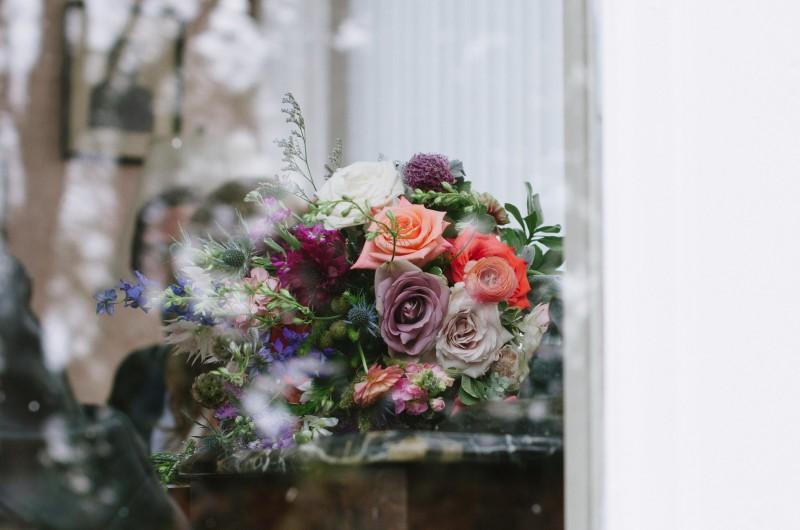 wedding-flowers-in-window-800x530 Laurie + Craig - Antrim Wedding | Columbia, TN
