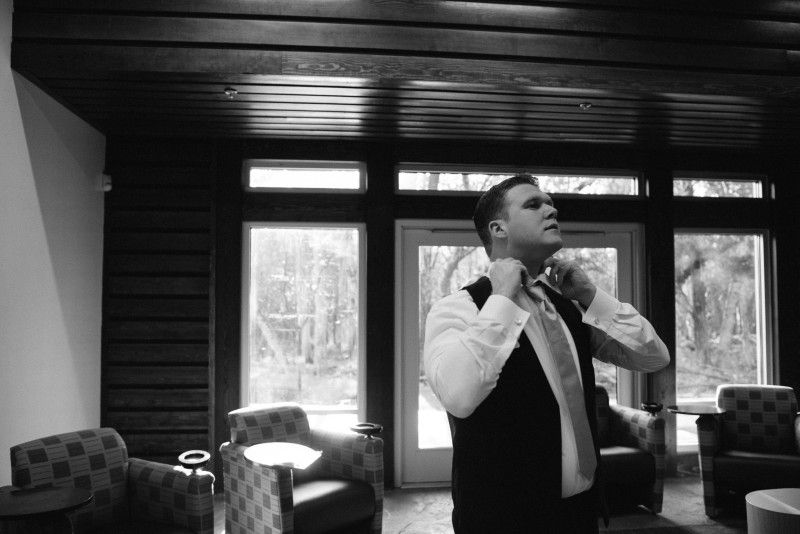 groom-getting-ready-800x534 Rachel + Kyle | Nelson Andrews Lodge | Nashville, TN