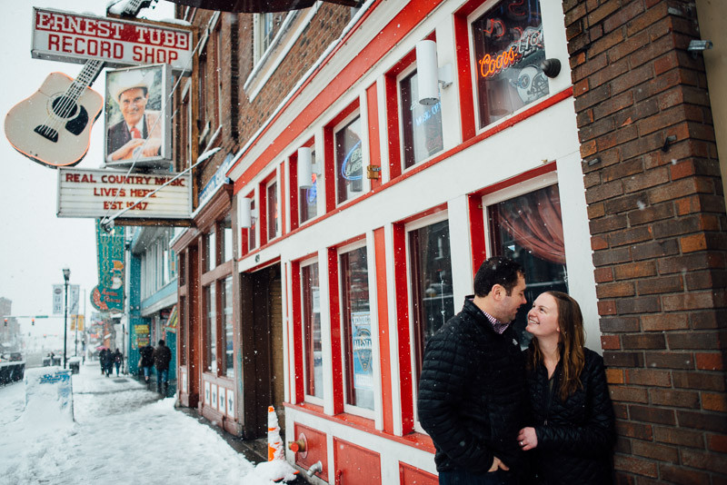 broadway-snow-nashville-800x534 Sara and Ryan | Nashville Winter Snow Engagement Session