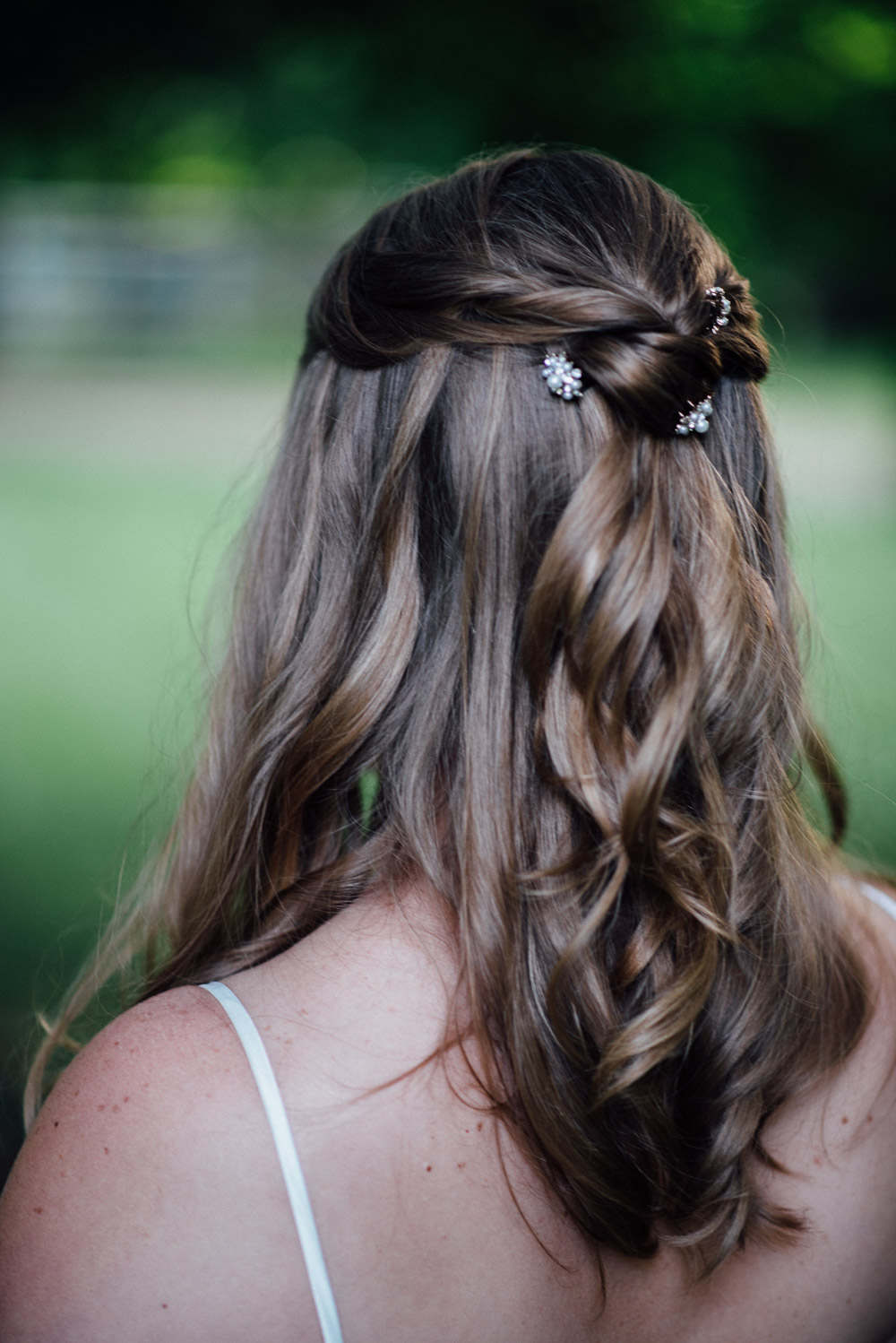 bridal-hair-piece Amy + Tara | Travellers Rest Plantation Wedding