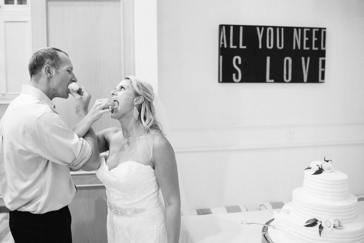 cake-eating Destin Beach House | Destination Wedding | Kasey and Rocky