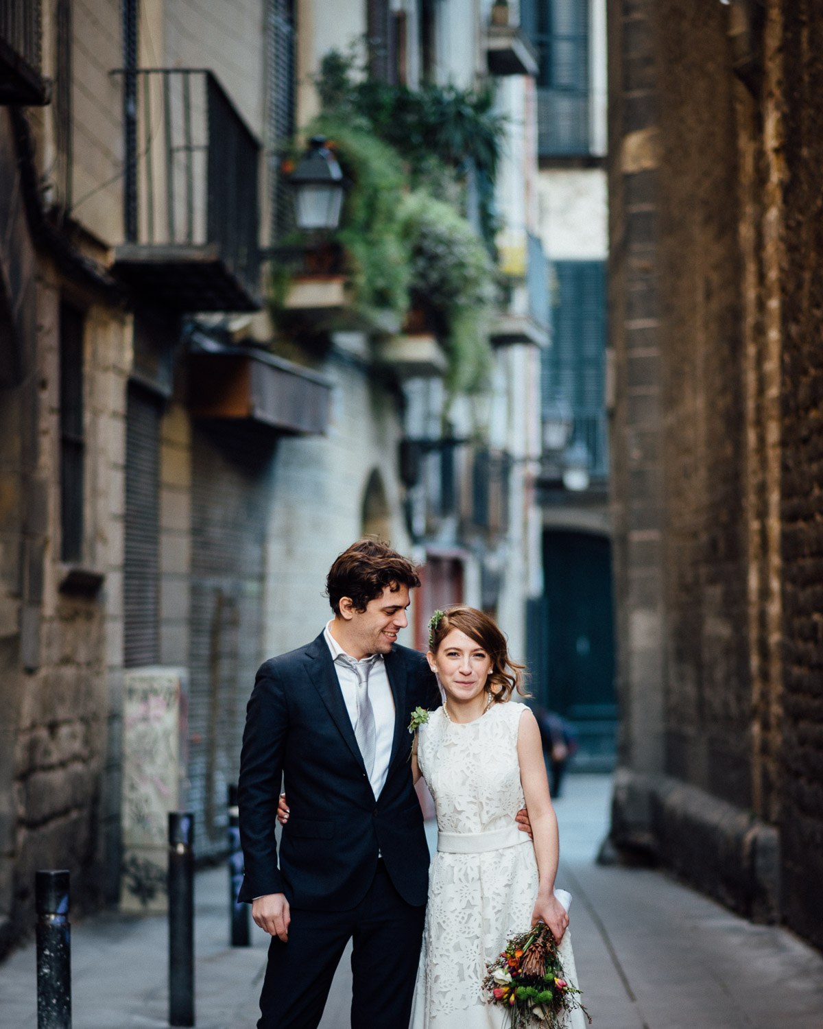 BARCELONA-COUPLE Robert + Alyssa | Barcelona Elopement Photographer